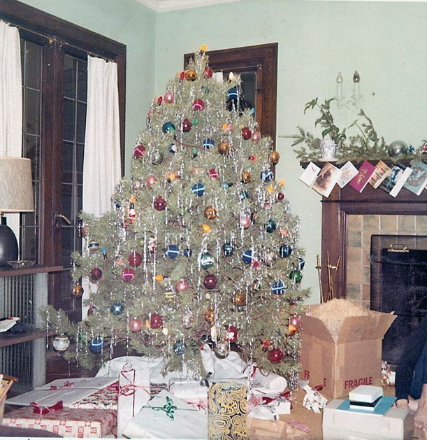 """Christmas tree on Fairfield"""