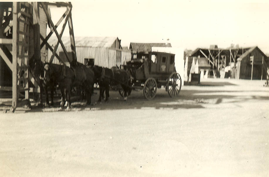 A stagecoach on the big trip West.