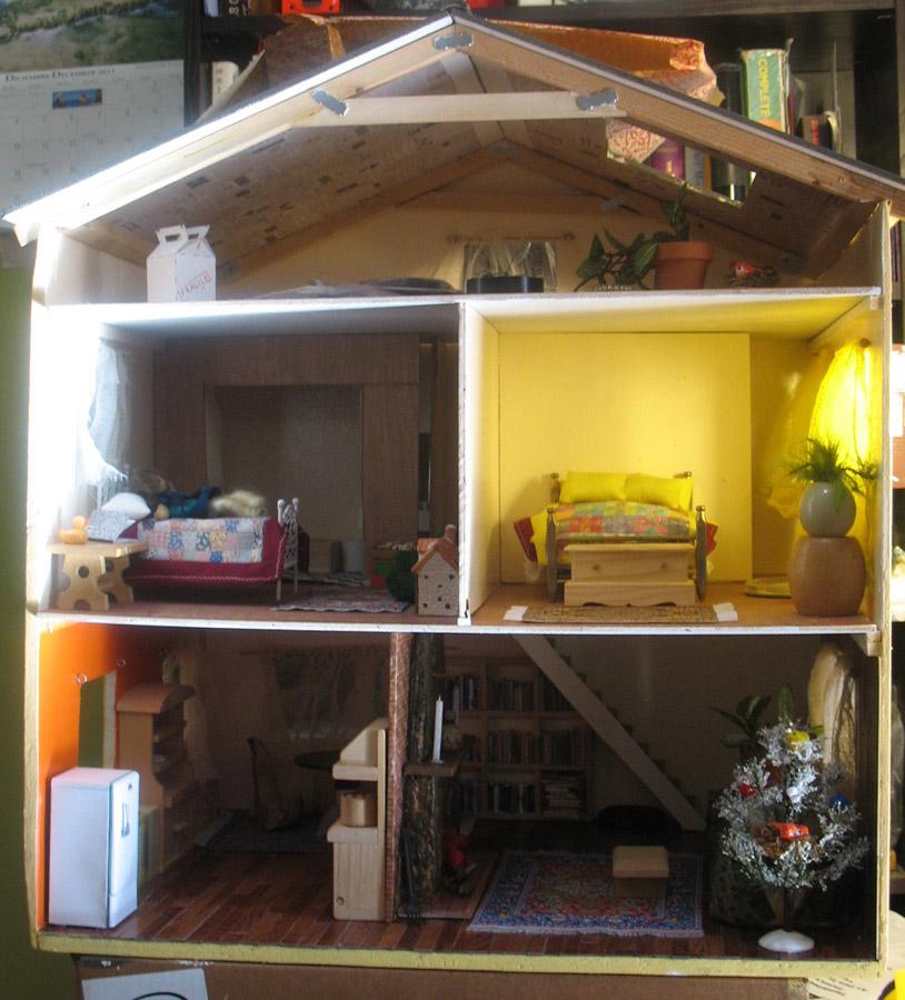 """Whole Dollhouse"""