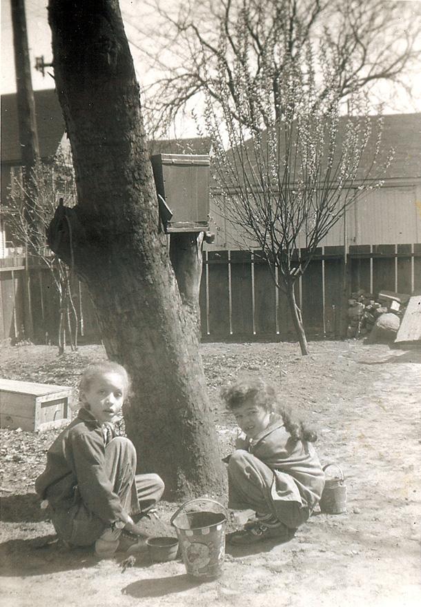 1955_kris_barbara_graham_yard