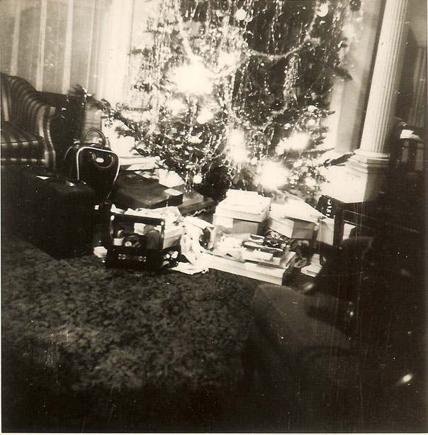 xmas_tree_cleages_scotten_late1940s