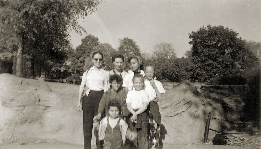 daughters_grandaughters_'56