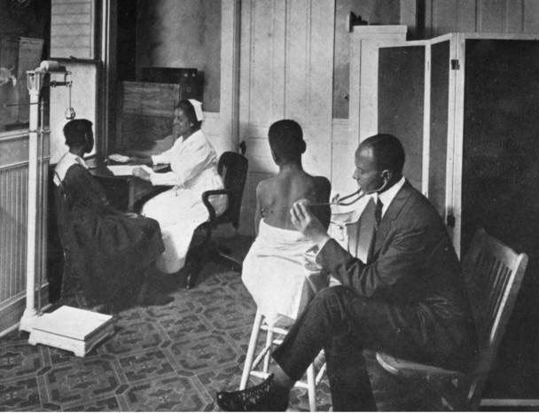 Dr_Henry_Hummons_Examining_a_Patient