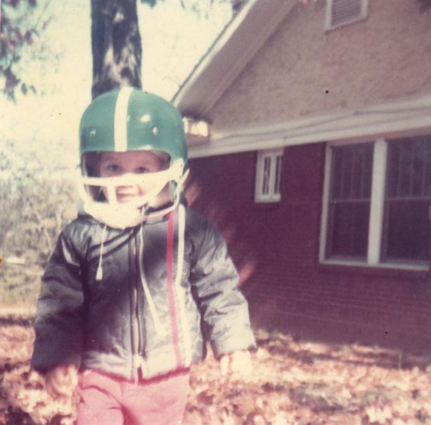 jilo with football helmets