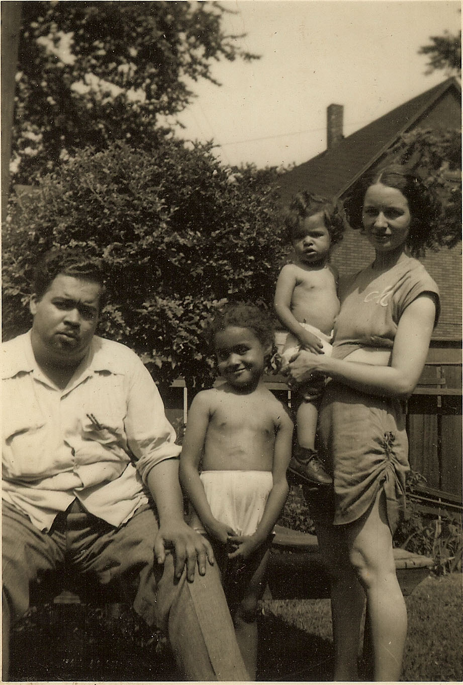 The Elkins Family in 1949. Mershell and Fannie Graham's backyard.